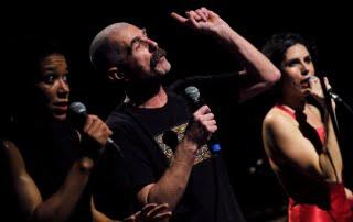 """Roberto Castello in """"MBIRA"""", foto di Piero Tauro"""