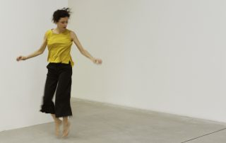 Caterina Basso in Un minimo distacco, foto di Camilla Casadei Maldini