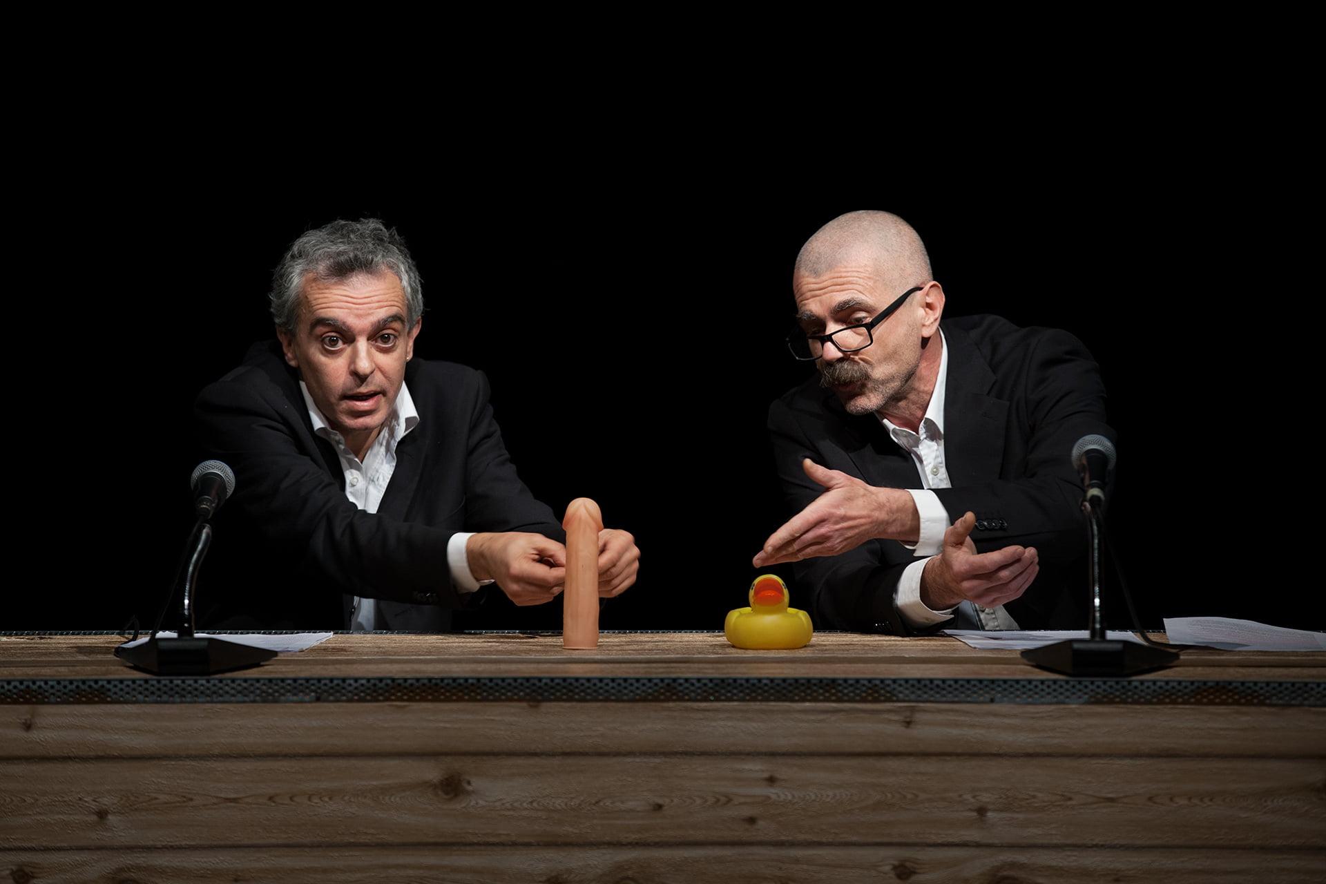"""A. Cosentino e R. Castello in """"Trattato di Economia"""", foto di Ilaria Scarpa"""